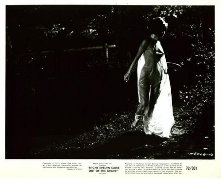 La notte che Evelyn lobby card 1