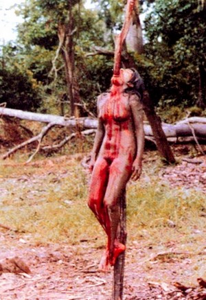 Cannibal holocaust foto 1