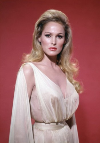 Ursula Andress- Foto 5