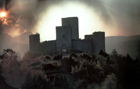 La nona porta il castello