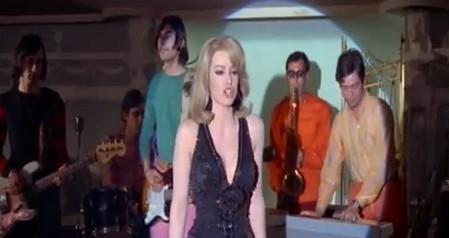 Margaret Lee-Arriva la bomba