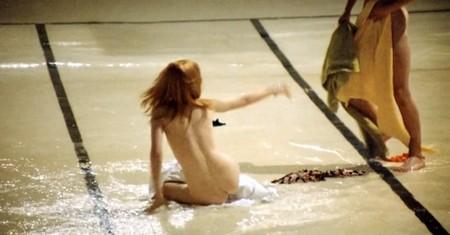 La ragazza del bagno pubblico 4