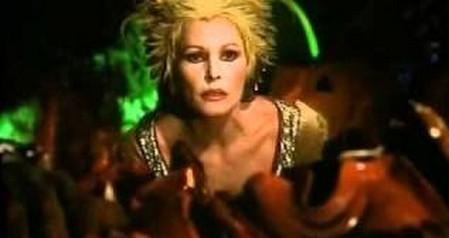 Ursula Andress-Fantaghirò 3