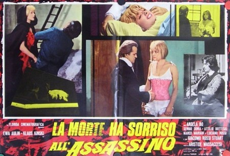 La morte ha sorriso al suo assassino lobby card 3