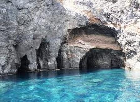Grazie signore p. Pantelleria, le grotte comunicanti