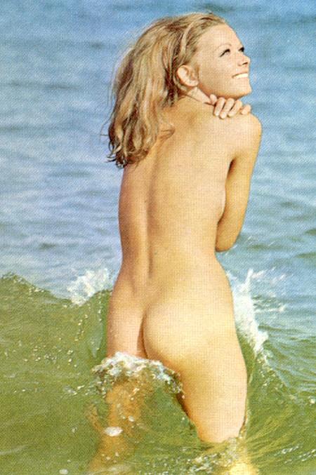 Janet Gunn Nude In Night Of The Running Man
