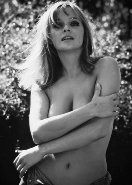 Laura Antonelli photobook 19