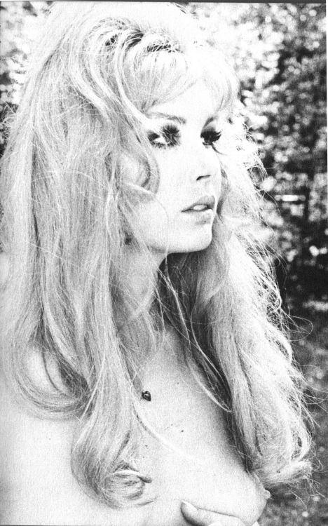Brigitte Skay Photobook 11