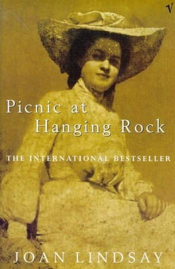 Picnic a Hanging rock locandina romanzo