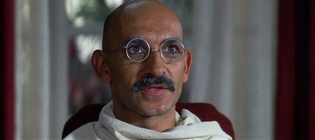 3 Ben Kingsley - Gandhi