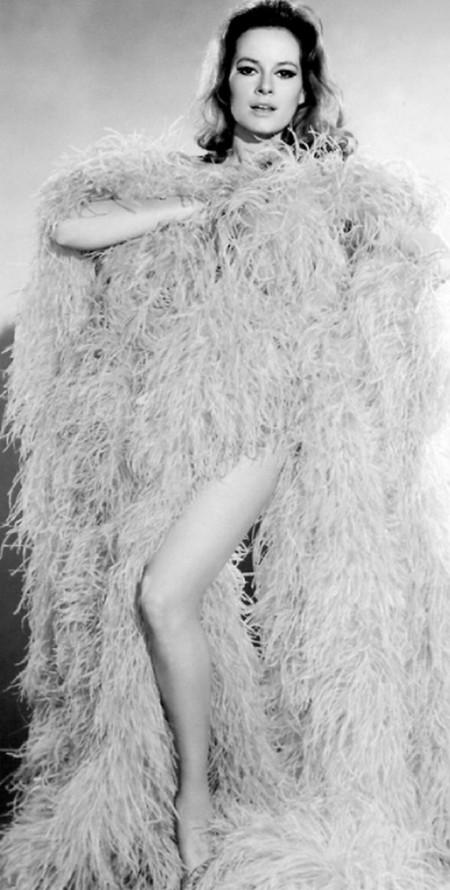 Luciana Paluzzi Photobook 18