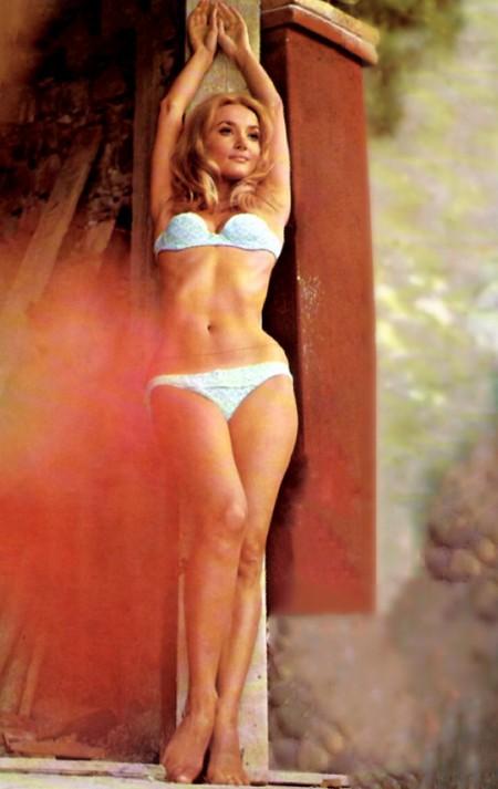 Barbara Bouchet Photobook 13