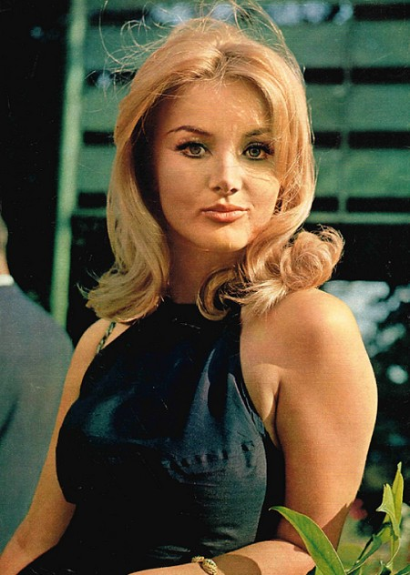Barbara Bouchet Photobook 16