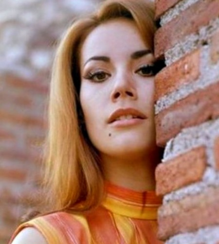 Claudine Auger Photobook 16