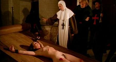 Confessioni proibite di una monaca adolescente 13