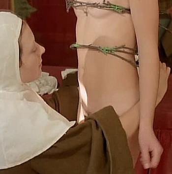 Confessioni proibite di una monaca adolescente foto 6