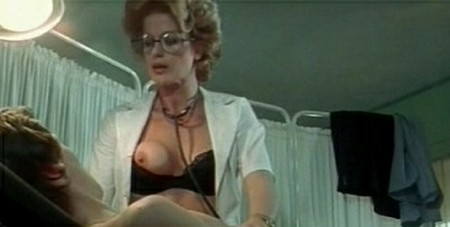 La dottoressa sotto il lenzuolo 3