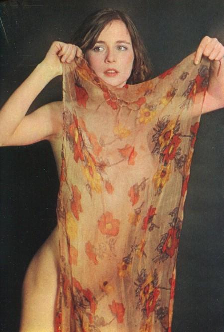 Leonora Fani Photobook 15