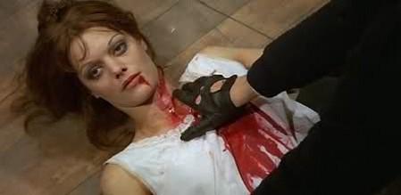 I corpi presentano tracce di violenza 8