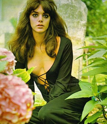 Tina Aumont Photobook 13