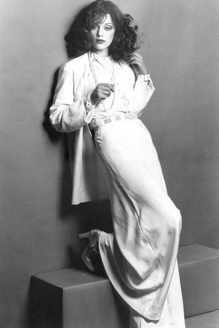 Tina Aumont Photobook 19