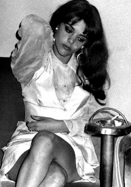 Tina Aumont Photobook 9