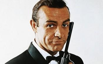 Agente 007 licenza di uccidere foto