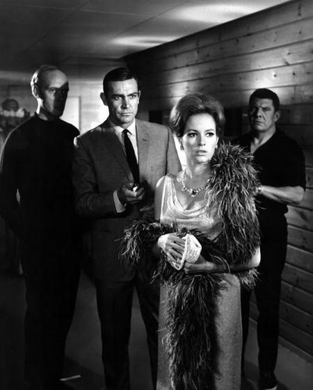 Agente 007 Thunderball foto 2
