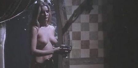Le guerriere dal seno nudo 10