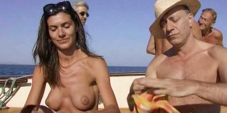 Nudisti per caso 8