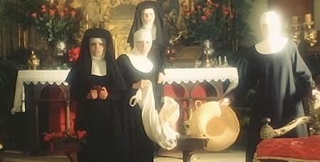 Interno di un convento 15