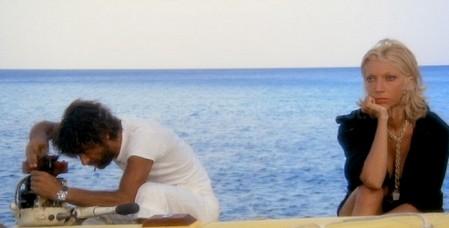 Travolti da un insolito destino nell'azzurro mare d'agosto 5