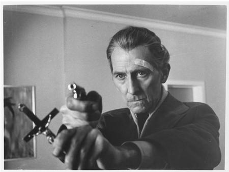 I satanici riti di Dracula Peter Cushing