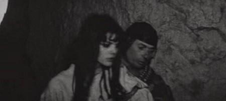 Tina Aumont Le lit de la vierge