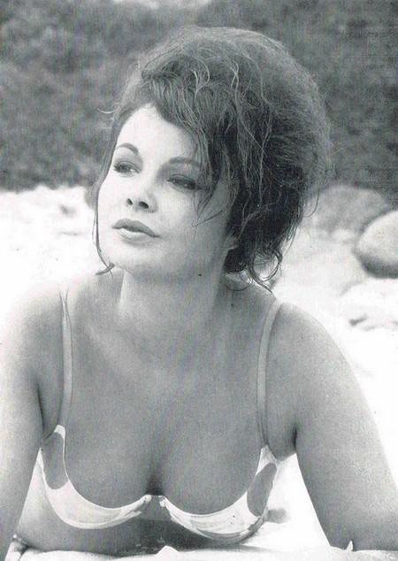 Veronique Vendell Photobook 14
