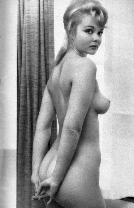 Veronique Vendell Photobook 16