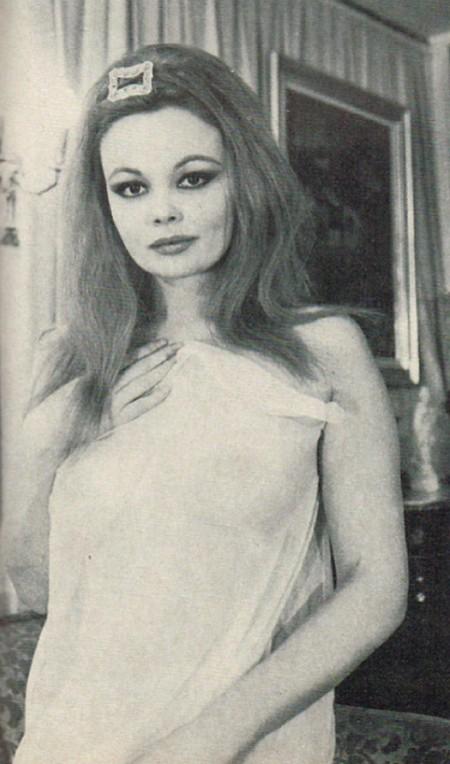 Veronique Vendell Photobook 20