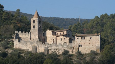 Per grazia ricevuta location Abbazia benedettina di San Cassiano