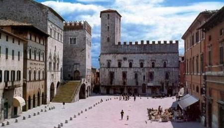 Per grazia ricevuta location piazza Vittorio Emanuele di Todi