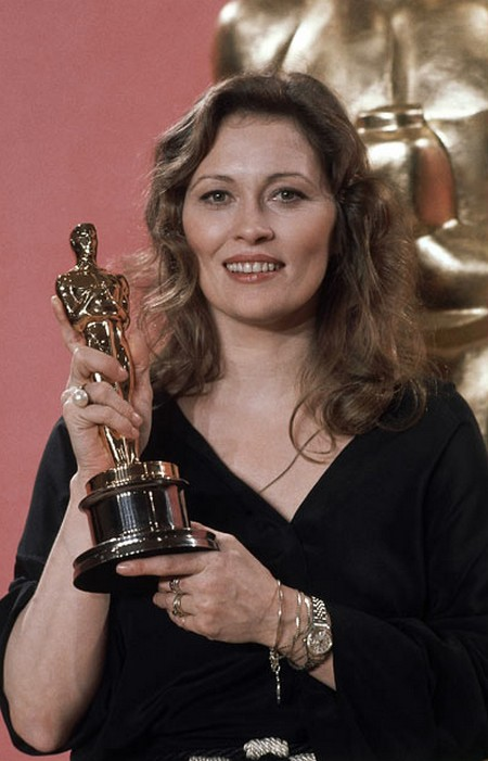 10 Faye Dunaway Oscar
