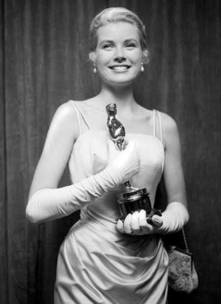 7 Grace Kelly – La ragazza di campagna 1955