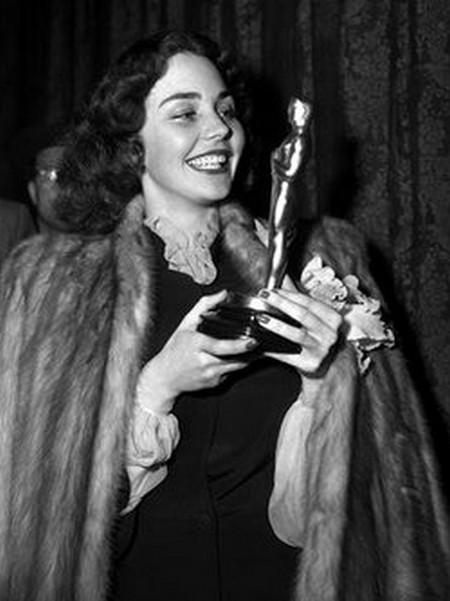 7 Jennifer Jones – Bernadette 1944