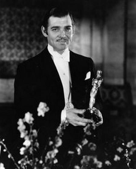9 Clark Gable – Accadde una notte 1935
