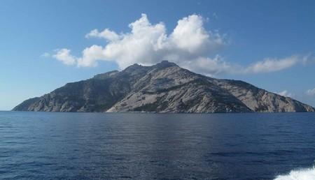 1 Isola di Montecristo