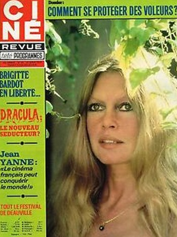 22 Brigitte Bardot Cine Revue