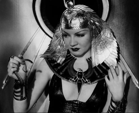3-3 Claudette Colbert in Cleopatra 1934
