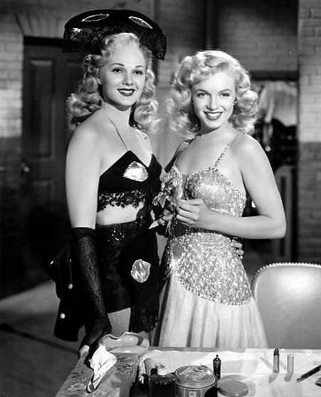 3 Marilyn Monroe e Adele Jergens