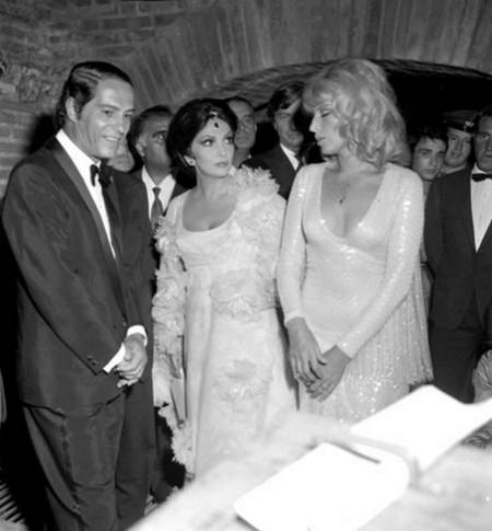 4 Nino Manfredi con Lolloobrigida e Vitti