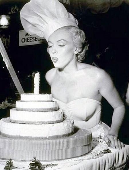 5 Marilyn Monroe pb 24