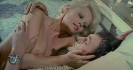 La signora ha dormito nuda con il suo assassino 10
